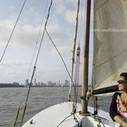 sailing in mumbai gateway of india
