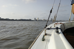 sea sailing at mumbai
