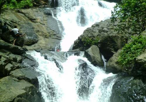 chinchoti waterfall vasai