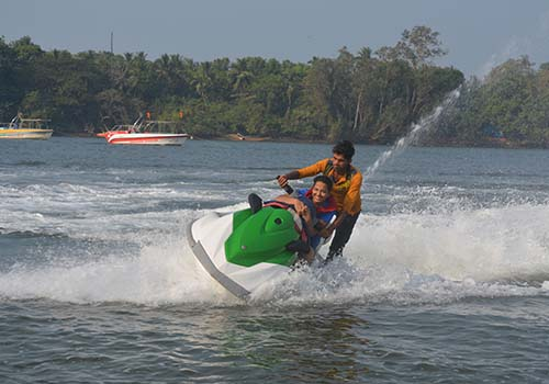 water activities tarkarli